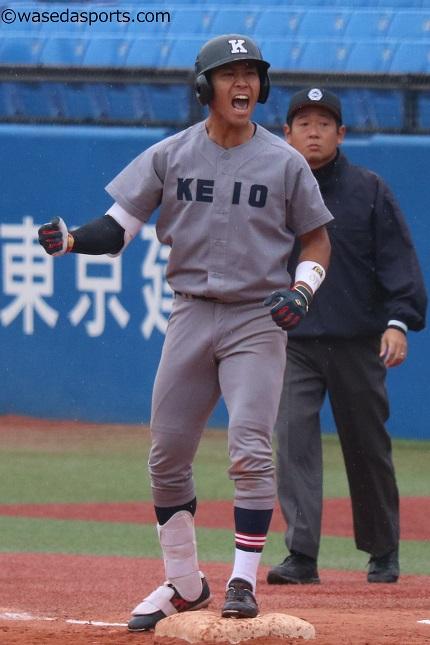 長谷川、史上初の初打席満塁本塁打! 賜杯へ前進/明大2回戦